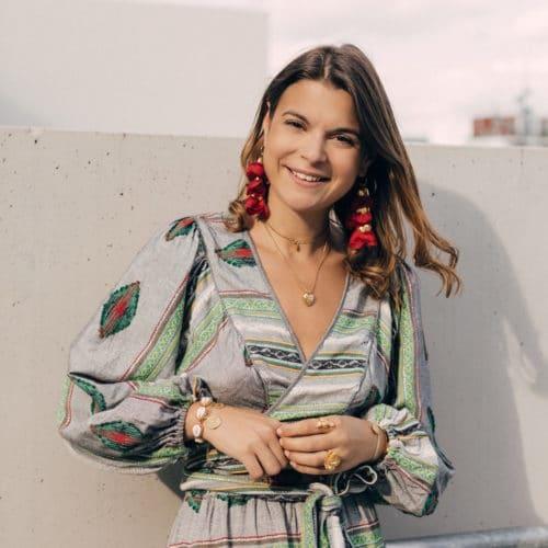 Portrait Elise Tsikis Créatrice Bijoux