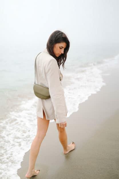 raphaelle-germain-modele-mue-cuir-kaki.jpg