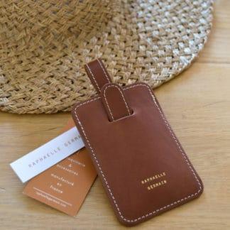 porte-etiquette-chataigne-valise-cadeau-cuir.jpg