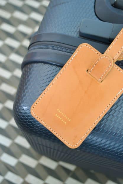 porte-etiquette-valise-cuir.jpg