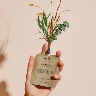 la-terre-parfum-naturel-floratropia-flacon-selection-beaute-facetofaceparis