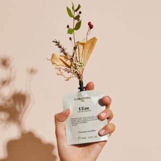 leau-eau-de-parfum-parfum-naturel-floratropia-flacon-selection-beaute-facetofaceparis