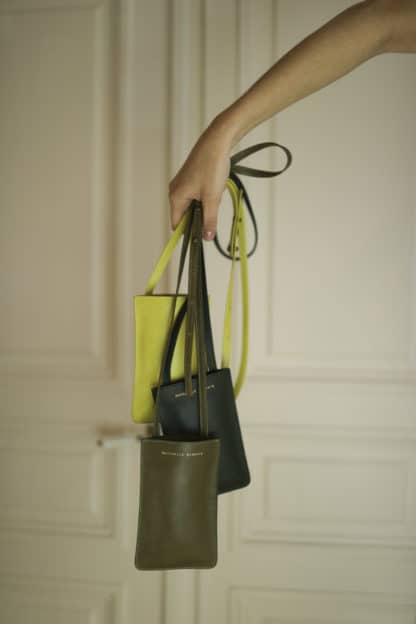 Pochette portable jaune  Raphaëlle Germain   Maroquinerie Créateurs
