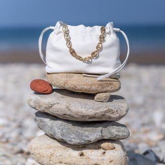 sac-minipam-en-cuir-tresse-blanc-atelier-farny-selection-maroquinerie-facetofaceparis